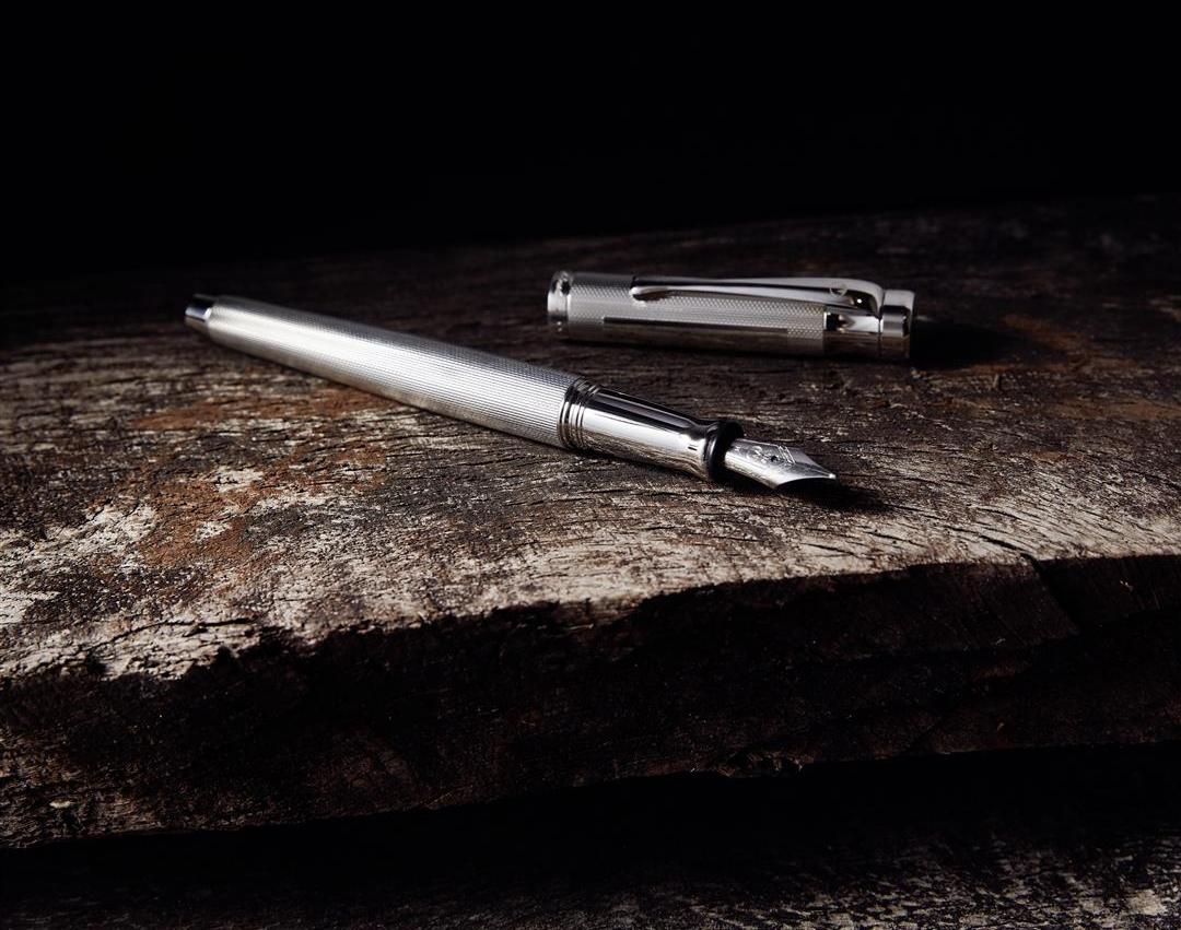 Stift (Groß)